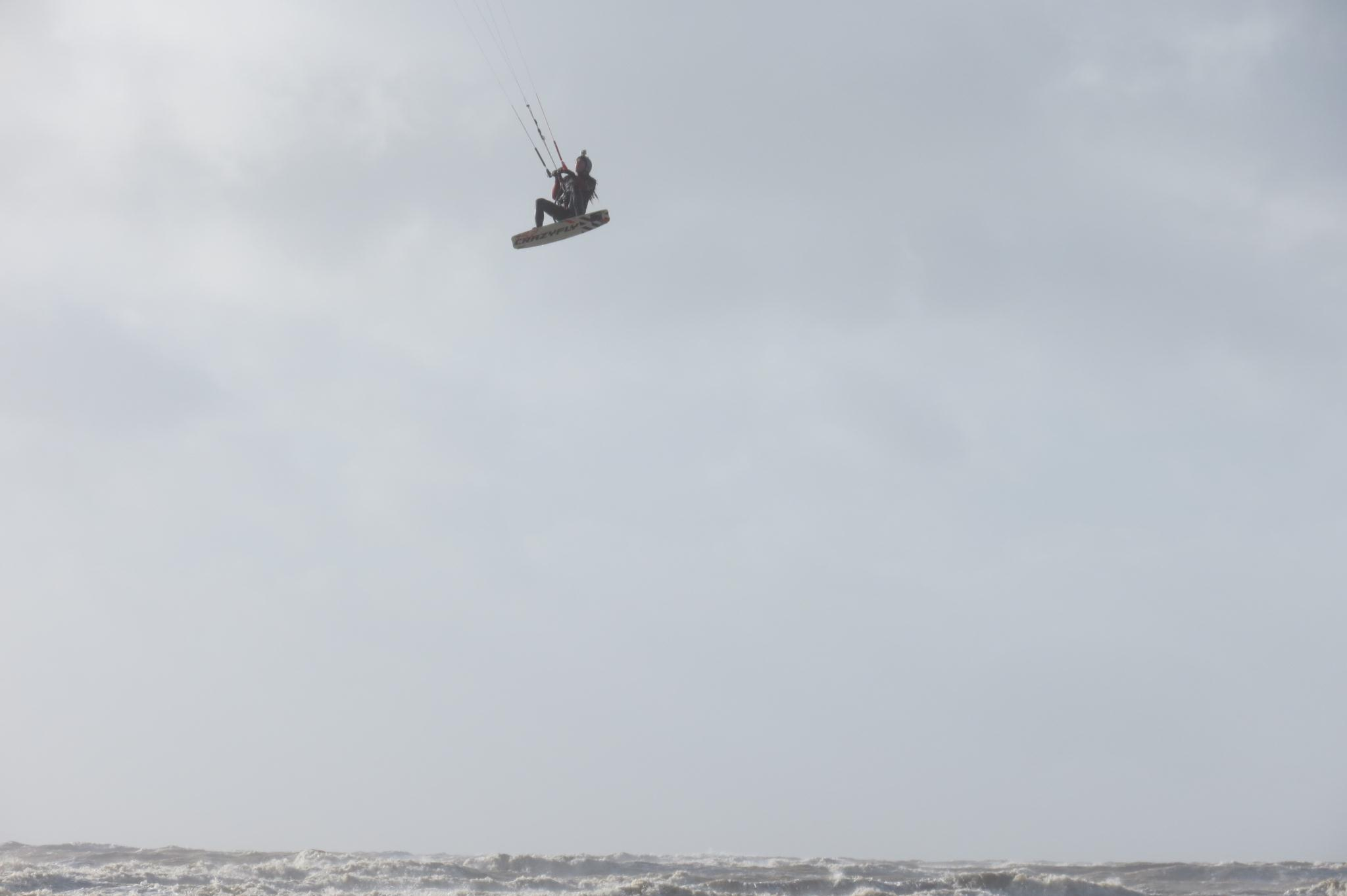 big kitesurfing jumps camber sands february 2014