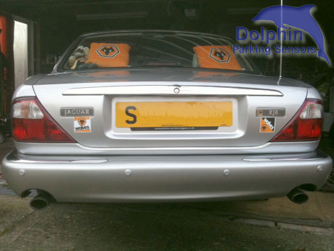 Jaguar XJ8 parking sensors