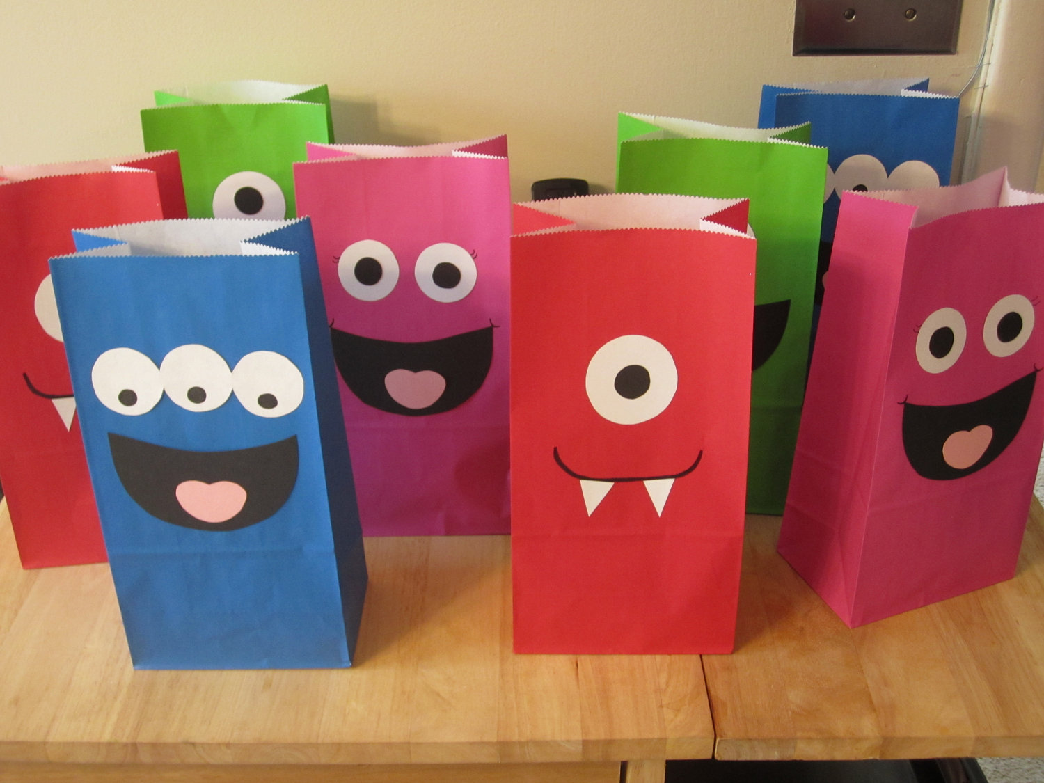 Wholesale Paper Party Bags